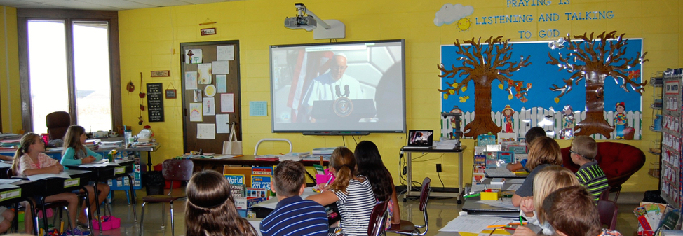 4th Grade Watches Pope Francis